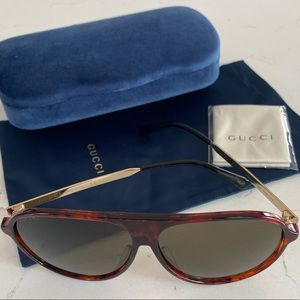 Brand new Authentic 61mm Aviator Sunglasses GUCCI